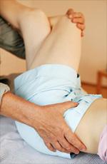 Ursache weg knie knickt Kniegelenk